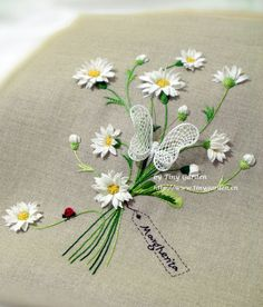 beautiful stumpwork embroidery !