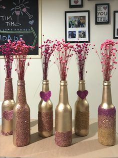 Diy home decor Diy home decor Diy Bottle, Wine Bottle Crafts, Bottle Art, Jar Crafts, Diy And Crafts, Wine Bottles, Wedding Centerpieces, Wedding Decorations, Wine Bottle Centerpieces