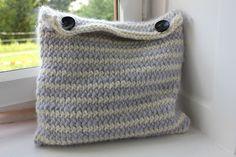 Pillow Cushions, Pillows, Organization, Knitting, Bags, Home Decor, Throw Pillows, Getting Organized, Handbags