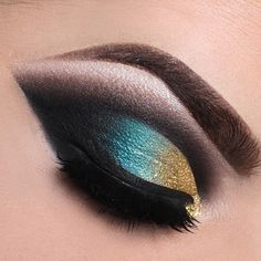 Get the perfect idea that will make your beauty eternal by Smokey Eye Makeup for Brown Eyes - Picture Tutorial. Here we are giving a Makeup tutorial with step by step guide and. Beautiful Eye Makeup, Love Makeup, Makeup Inspo, Beautiful Eyes, Makeup Inspiration, Makeup Looks, Makeup Style, Day Makeup, Makeup Tips