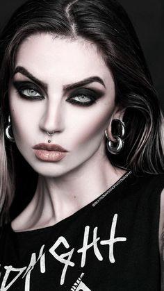 Hot Goth Girls, Gothic Girls, Goth Beauty, Dark Beauty, Girl Face, Woman Face, Lovely Eyes, Beautiful, Halloween Photography