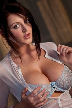 Sophie Dee Erotic Pics