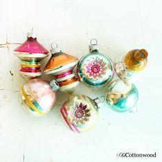 7 Vintage assorted Shiny Bright Ornaments  door OldCottonwood