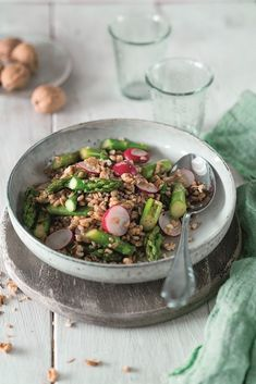 Spicy walnut & spelt salad with radish and asparagus.