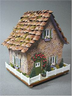 Little Christmas mousy house at # 9 Primrose Lane, Mouseville, Florida Clay Houses, Putz Houses, Village Houses, Paper Houses, Miniature Fairy Gardens, Miniature Houses, Miniature Dolls, Petits Cottages, Christmas Gingerbread House