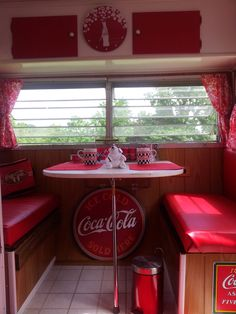 coca cola camper @djdavenport  this is what I need for my glamper!!