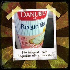 Pra quem nao conhecia... Requeijão super gostoso e 0% ... Melhor??? Naooo! #run #regime #projetomimis #projetobefabulous #projetodanipaixao #projetolalanoleto #treino #foco #dieta #dietaja #disciplina #dietamodoon #vidasaudavel #veraooanotodo #bomdia #nutri #nutrição #saúde #corrida - @danipaixao1- #webstagram