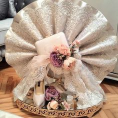 Intricate design & class speaks a lot Wedding Hamper, Wedding Gift Baskets, Wedding Gift Wrapping, Wedding Gift Boxes, Wedding Gifts For Bride, Bride Gifts, Wedding Favors, Engagement Decorations, Wedding Decorations
