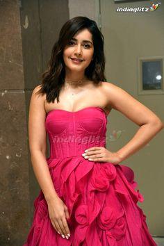 Bollywood Heroine Photo, Indian Heroine Photo, Bollywood Actress Hot Photos, Tamil Actress Photos, Beautiful Bollywood Actress, Beautiful Girl Photo, Beautiful Girl Indian, Beautiful Indian Actress, Beautiful Actresses