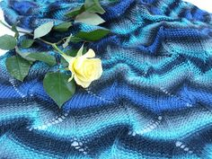 Wavy pattern knit--would be pretty end table cloth