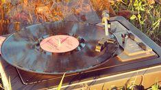 Retro-amintiri cu muzică Singular, Music Instruments, Retro, Blog, Musical Instruments, Blogging, Retro Illustration