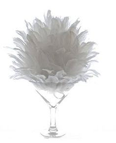 "Feather Ball - 16"" diameter Perfect for a touch of elegance or vintage charm for your centrepieces or to layer on floor-standing vases"