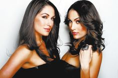 The Bella Twins: Brie Bella & Nikki Bella The Bella Twins, Nikki And Brie Bella, Wwe Total Divas, Wwe Divas, Famous Twins, Wrestling Divas, Nikko, Slim, Hot Yoga