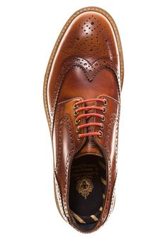 Man brogues | Daily stylist tips|UK fashion online | Curated shopping | Stylish boots | Casual menswear look | Fashionable blogger
