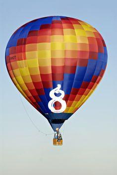 Mondial Air Ballons ® #advent #avent #adventballoon #ballondelavent #hotairballoon #montgolfiere #hotairballoons #montgolfieres #december #décembre #mondialairballons #oneballoonaday #unballonparjour #colors #couleurs #lightbluesky #cielbleuclair #multicolor