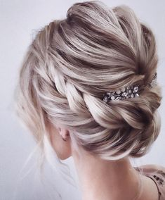 Beautiful wedding hairstyles for the elegant bride Updos for the . - Beautiful wedding hairstyles for the elegant bride Updo for the bride … – Hair and beauty - Romantic Hairstyles, Braided Hairstyles Updo, Wedding Hairstyles For Long Hair, Wedding Hair And Makeup, Prom Hairstyles, Braided Updo, Twisted Updo, Wedding Hair With Veil Updo, Chignon Hairstyle