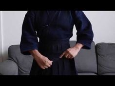 How to Wear Your Hakama: The Finer Points - YouTube