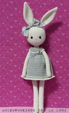Recordáis cuando en diciembre os proponía el nuevo reto A ciegas de nuestro grupo de facebook Retos Amigurumis ?. Como yo ya jugaba con ... Knitted Bunnies, Crochet Bunny Pattern, Crochet Patterns Amigurumi, Amigurumi Doll, Crochet Dolls, Easter Crochet, Cute Crochet, Crochet Baby, Crochet Animals