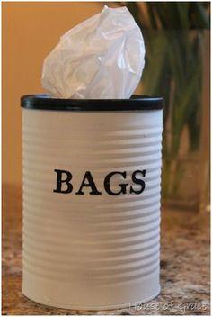 Una llauna pintada amb una mica de gràcia per guardar les bosses... que fàcil!