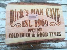 #mancave #sign, #tekst, #naam, #graveren, #hout, #kado, #gift, #gereedschap, #kerst, #sinterklaas, #vaderdag Bbq Grill, Chilling, Wood Burning, Good Times, Man Cave, Fathers Day, Beer, Bar Grill, Root Beer