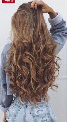 Flipped Out Straight Hair - 30 Best Hairstyles for Long Straight Hair 2019 - The Trending Hairstyle Curls For Long Hair, Long Curly Hair, Wavy Hair, Dyed Hair, Beautiful Long Hair, Gorgeous Hair, Brown Blonde Hair, Pretty Hairstyles, Long Hair Curled Hairstyles