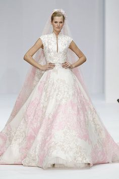 Bridal gown inspiration from Paris Haute Couture Week - Photo 15   Celebrity news in hellomagazine.com