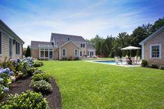 Edgartown Home Rental - SULLS   Martha's Vineyard Vacation Rentals. Incredibly manicured lawn.