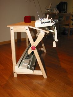 MINI-Tilt Table with Brother KH-270 Bulky and lid at base of table