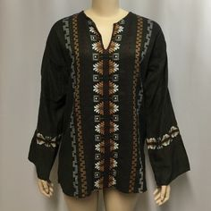 "Guatemalan Top L Festival Wear Hippie Drug Rug Made in Guatemala Top Shirt in Women's size L.  Bust - 46""; total length - 29"" Made in Guatemala Tops Tunics"