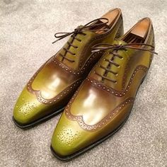 ✨✨✨Here is another pair of my freshly painted Corthay shoes #patina #shoes…