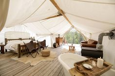The 11 Most Luxurious Campsites for Living Your Glamping Dreams - Horst Maier - Buscraft Camping Table Camping, Camping Set Up, Camping Dishes, Camping Glamping, Camping Hacks, Camping Beds, Camping Checklist, Camping Essentials, Camping Cabins
