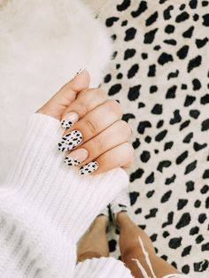 103 pretty acrylic coffin nails design you need to try 122 Nail Design Stiletto, Nail Design Glitter, Glitter Nails, Essie, Best Acrylic Nails, Acrylic Nail Designs, Nails Kylie Jenner, Fall Nail Art, Fall Nails