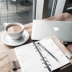 To-Do app: de opvolger van Wunderlist - Lifestyle NWS Flatlay Instagram, To Do App, Fall Inspiration, Visualisation, Study Hard, Study Notes, Study Motivation, Monday Motivation, Study Tips