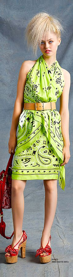 If you can look past the print, this would be an easy outfit to sew - Moschino Resort 2015