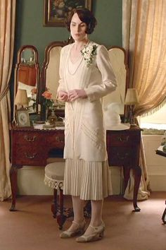 Downton Abbey, Mary's second wedding dress Downton Abbey Costumes, Downton Abbey Fashion, 20s Fashion, Vintage Fashion, Lady Mary Crawley, Vintage Dresses, Vintage Outfits, Gentlemans Club, Look Retro