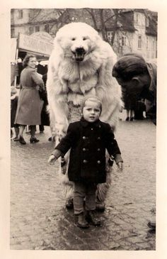 30 Strange But Delightful Vintage Photos Of Animals; hahaha