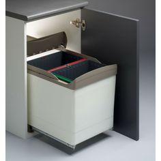 CUBO RECICLAJE 16+16L - 105.78€ -  Cubo de reciclaje rectangular compuesto por 2 contenedores para la separación de los residuos en tu hogar.   Ideal para separar la basura orgánica, del plástico o del papel, por ejemplo.  Apertura automática de la tapa.  Extracción del cubo a la vez que se abre la puerta.   Se fija a la base del armario. - Tienda Casaenorden - Te ayudamos a organizar tus armarios