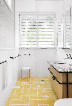 See the finalists of the 2016 Australian Interior Design Awards residential design category. Yellow Bathroom Decor, Beach House Bathroom, Yellow Bathrooms, Master Bathroom, White Bathroom, Shower Bathroom, Yellow Rooms, Open Bathroom, Boho Bathroom