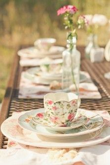 Mismatching china sets are an absolute must for a vintage themed wedding. The different patterns will add a dainty touch to the reception tables.