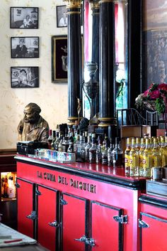 Havana, Cuba : the Floridita bar perpetuates the memory of Earnest Hemingway, who drew much inspiration from his favorite vacation destination