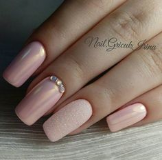 Amazing nude nails with sone nice details Bridal Nails, Wedding Nails, Nude Nails, Manicure And Pedicure, Pale Pink Nails, Coffin Nails, Acrylic Nails, Nail Art Designs, Nail Design