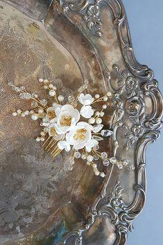 5e23c01b Pearl Bridal hair comb Wedding hair comb Bridal headpiece Peças De Cabelo  De Casamento, Pente