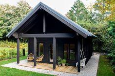 Cottage Design, Tiny House Design, Tiny House Exterior, Tiny House Community, I Love House, Modern Farmhouse Exterior, Soho Farmhouse, Holiday Places, Tiny House Cabin