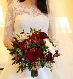 Christmas Wedding Decorations ideas that will make your wedding decoration not only look match with the December sense and winter but also elegant and. Christmas Wedding Bouquets, Christmas Wedding Decorations, Red Bouquet Wedding, Winter Wedding Flowers, Christmas Decor, Winter Christmas, Winter Wedding Receptions, Wedding Reception Planning, Wedding Ideas