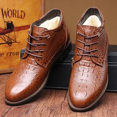 da6c335d539 High-quality Big Size Mesh Crocodile Pattern Pointed Toe Leather Short  Boots For Men