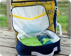 Make lunchtime fun with the Star Student Lunch Box sewing pattern! The Star Student Lunch Box features a zip closure, full lining with added