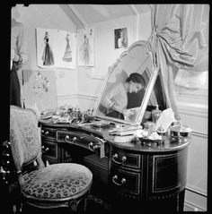From Inside Chanel wonderful website! Coco Chanel reflection in her appartm - Chanel Paris - Ideas of Chanel Paris - From Inside Chanel wonderful website! Coco Chanel reflection in her appartment at the Ritz Paris Marca Chanel, Chanel Nº 5, Perfume Chanel, Mode Chanel, Chanel Brand, Chanel Paris, Vintage Chanel, Chanel Style, Chanel Fashion