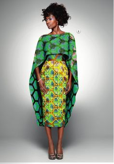 Moda Africana (ROUPAS), one more shawl and the dress will disappear so will the model African Inspired Fashion, African Print Fashion, Fashion Prints, African Prints, Ankara Fashion, Fashion Outfits, Fashion Ideas, Fashion Cape, African Patterns