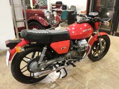 Moto Guzzi V50, Motorcycle, Model, Classic Cars, Motorbikes, Wheels, Originals, Motorcycles, Choppers