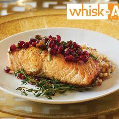 Salmon Recipes, Seafood Recipes, How To Make Salsa, Roasted Salmon, Jewish Recipes, Salmon Fillets, Salsa Recipe, Fresh Lemon Juice, Fresh Herbs